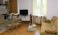 Moscow 2-room apartment, metro Smolenskaya,