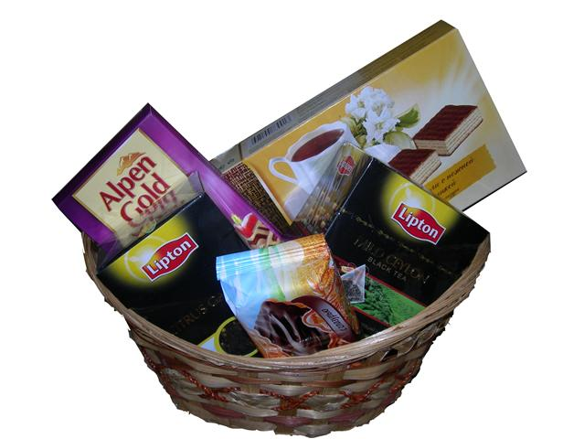 Liptons Chi and Chocy Basket